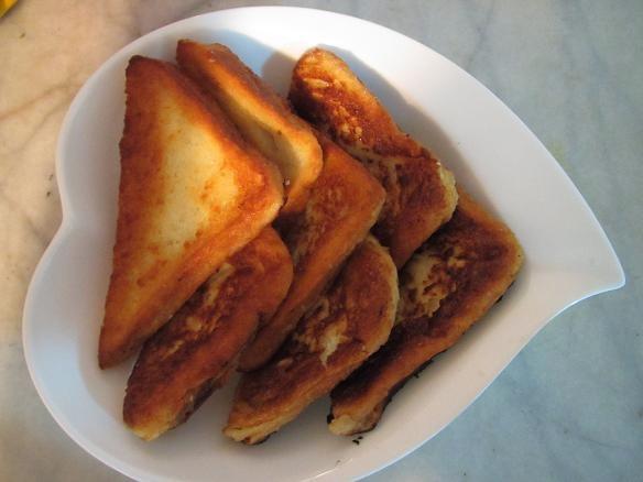 شیرینی فوق العاده ساده وخوشمزه با نان تست!! +عکس