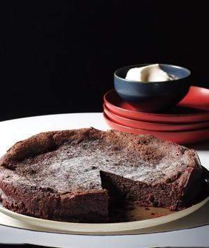 دستور تهیه یک کیک شکلاتی خوشمزه بدون نیاز به آرد! +عکس