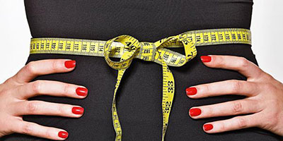 """کوچک کردن شکم: چگونه در یک ماه """"شکمی صاف"""" داشته باشیم؟"""